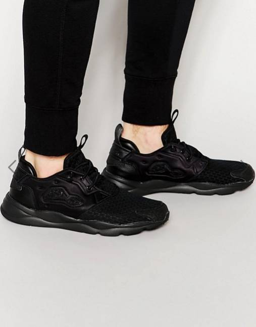Reebok Furylite Trainers In Black - 約HKD452.14
