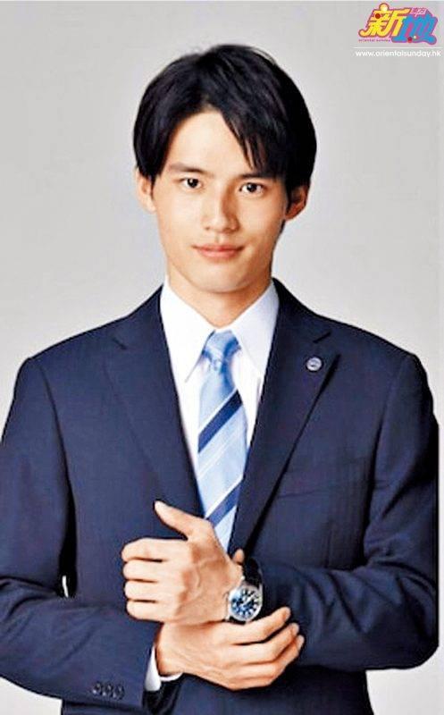 岡田健史今次飾演的角色雖然是新丁警察,但因為有個身為警察廳幹部的父親,所以也被視為未來警察幹部。