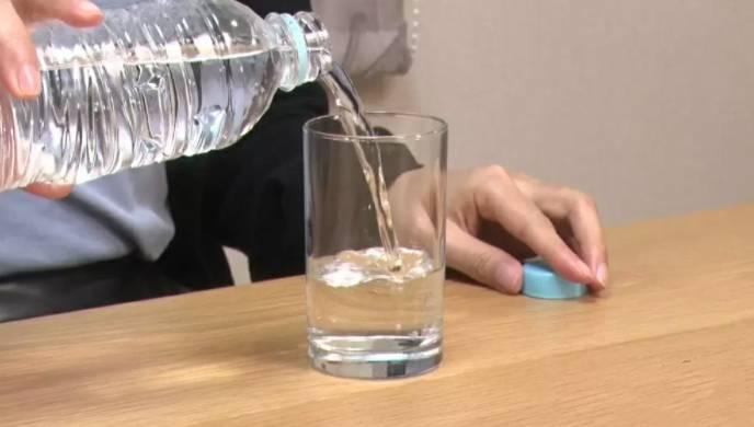 日本節目《この差って何ですか?》早前邀請了內科及皮膚科專家馬渕知子醫生,與大家分享喝水的正確習慣。