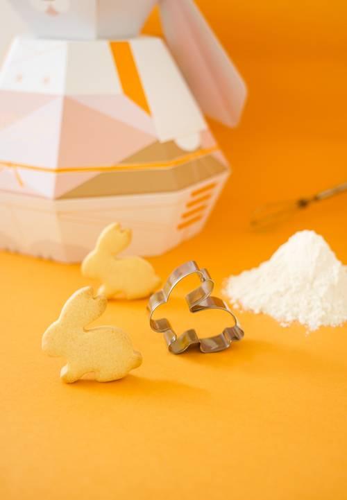 更附小兔柚子曲奇烘焙套裝,加入牛油可雞蛋就可製作香脆曲奇,最啱愛烘焙的朋友!