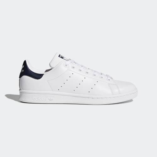 熱門鞋款Stan Smith運動鞋9,以3件65折計算後只需3.4。