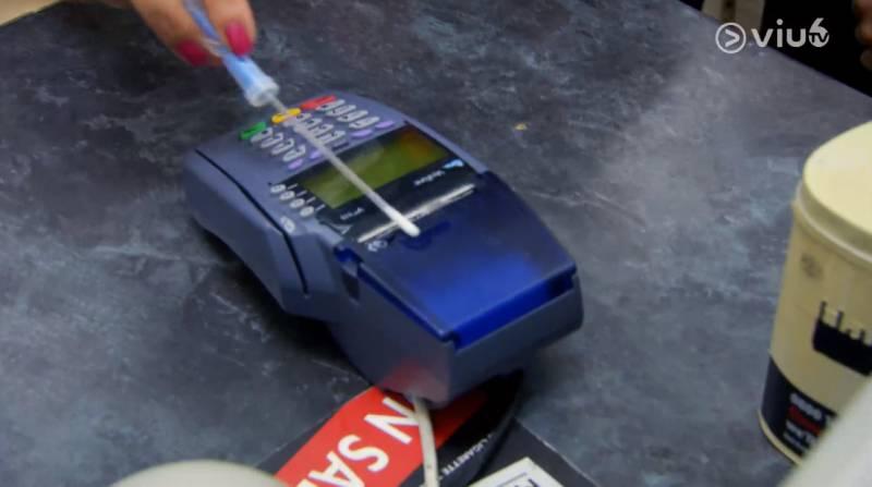 實測結果顯示信用卡機的含菌量為999 RLU,比起鈔票更高出近4倍。