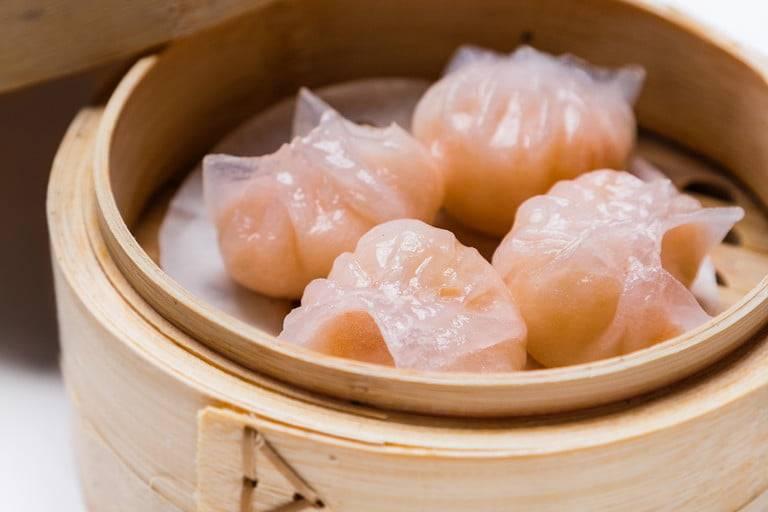 翡翠明蝦餃皮薄餡鮮,蝦肉彈牙。