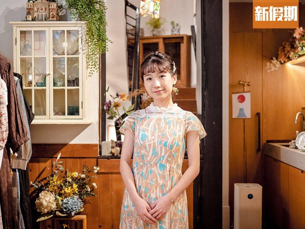 店主 Yannie在葵涌廣場開服裝店近8年,專售風格獨特的古著與衣飾,更會在網絡平台與客人分享搭配心得。早前見租金稍微回落,便與丈夫一同打造這家複合式Café。