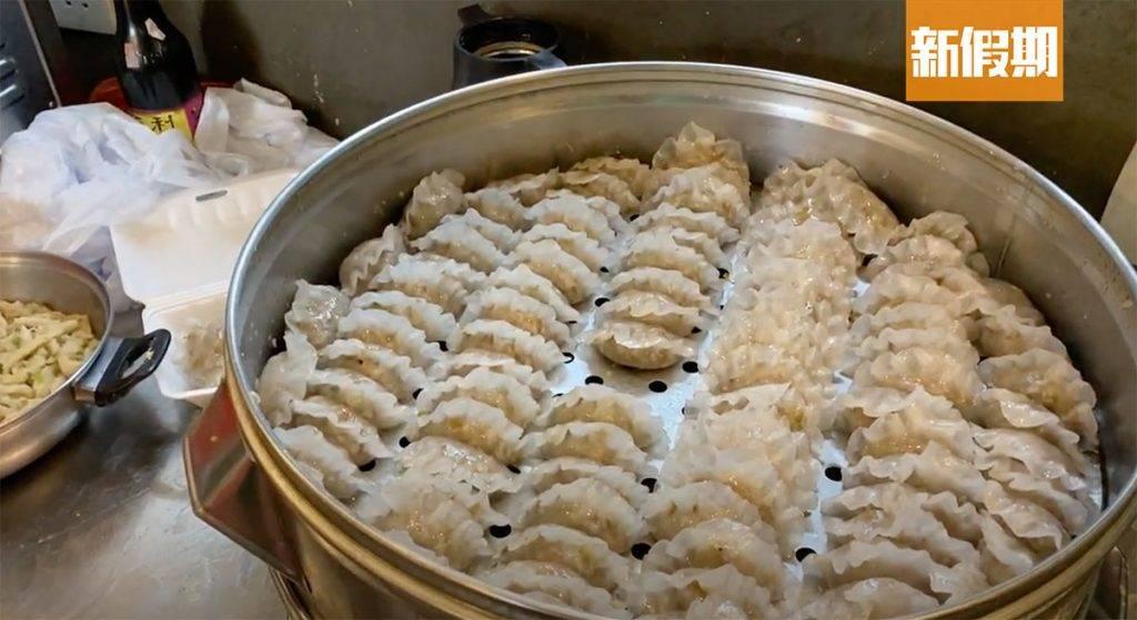 汕尾粉果餡料豐富,如粉葛、豬肉、芹菜等,粒粒飽滿。