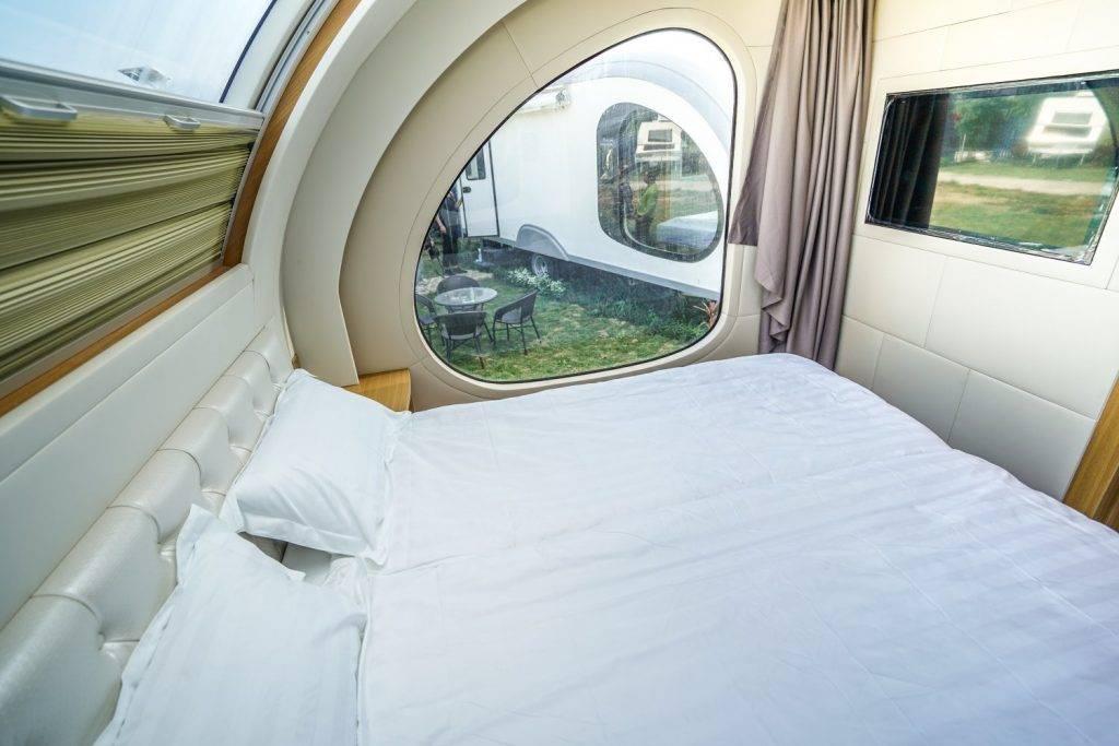 元朗超靚露營車!透明玻璃天幕+夜晚睇星+寵物專屬露營車|香港好去處