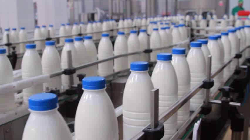 由鮮奶加工成為脫脂奶會隔掉大部份脂肪,因此其他成份的濃度便提升。