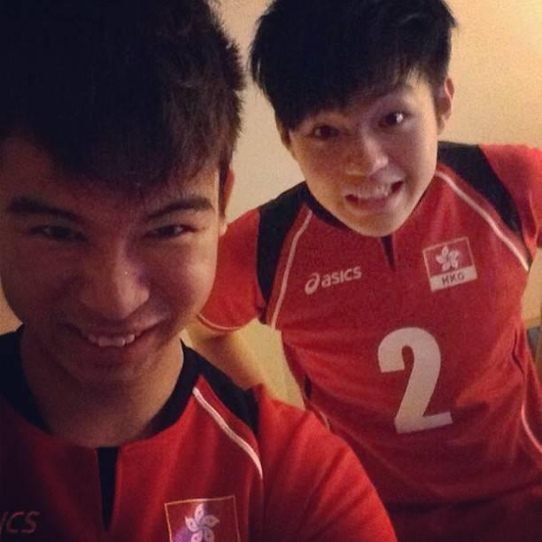 運動員年代與隊友Selfie。