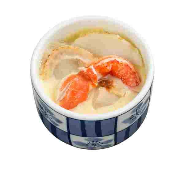 松葉蟹茶碗蒸最特別是茶碗蒸也會添加蟹腳,更添鮮味。