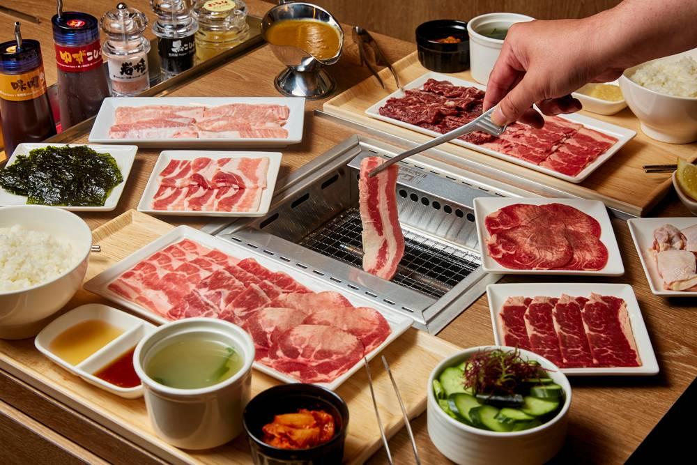 燒肉Like打日式一人一爐無煙燒肉體驗,份量由50g至300g不等,逾8款燒肉套餐及多達11款不同部位的追加肉類。