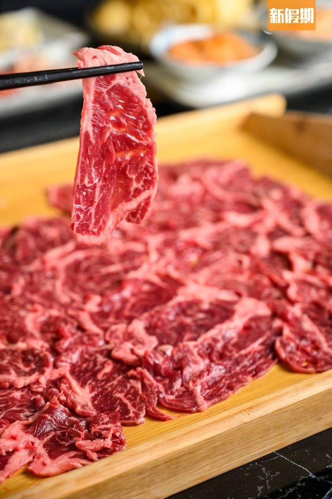 封門柳 0/150克、0/330克封門柳是近牛心附近的肉,因此肉味牛味較濃,又不會過脆,配上濃味而較肥美的 羊腩煲剛好,牛肉份外耐吃不過膩。