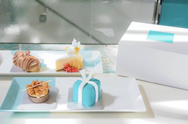 Tiffany 四件裝甜品盒」8 包括四款招牌甜點,有佛迷你 Blue Box 蛋糕、焦糖爆谷朱古力撻、栗子忌廉蛋糕及紐約芝士蛋糕。