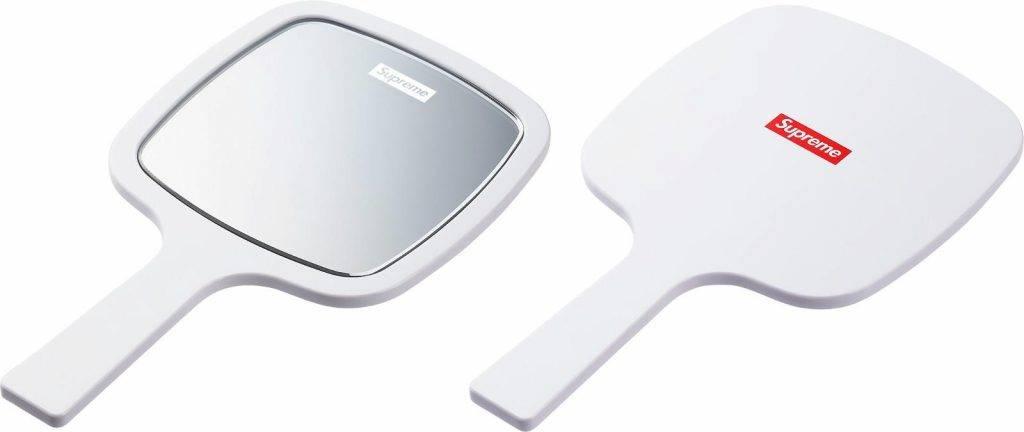 SUPREME鏡。