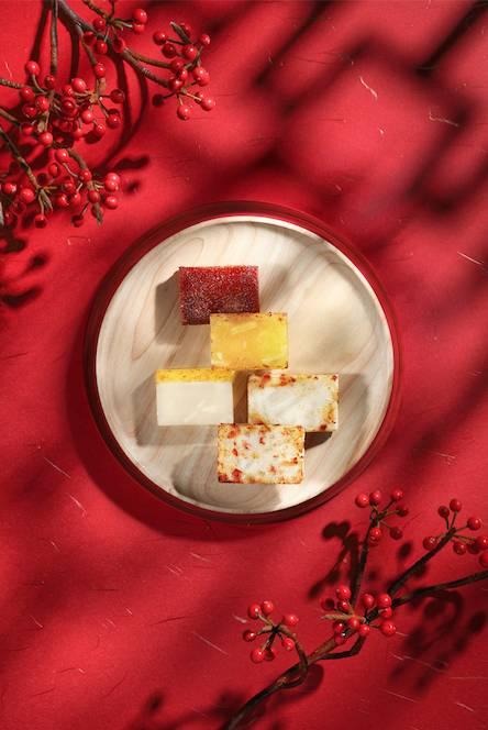 翠亨邨有齊最傳統的蘿蔔糕、馬蹄糕及椰汁年糕,想試新口味,亦有元貝淮山糕,健康正氣。