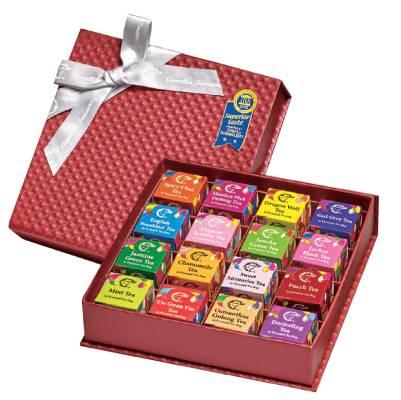 華芳十六品味茶禮盒 8 包含 16種不同口味,包括甜蜜回憶茶、鐵觀音、龍井等。