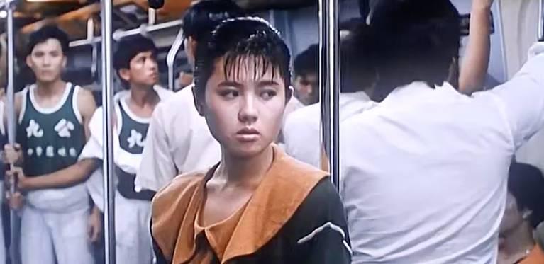飾演「來弟」的女神李麗珍,當時亦是清新亮麗,引來後方「九公」的注目。