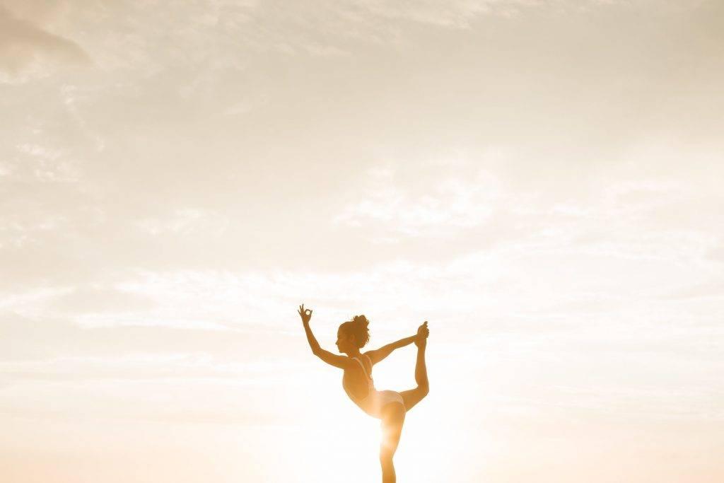 可進行瑜伽或進行輕鬆的有氧運動,能減少因壓力引起的腹部脂肪積聚