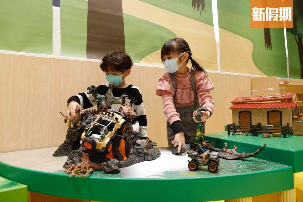 第3區-「小王國」有各式的模型,讓小朋友組成自己最愛的小天地。