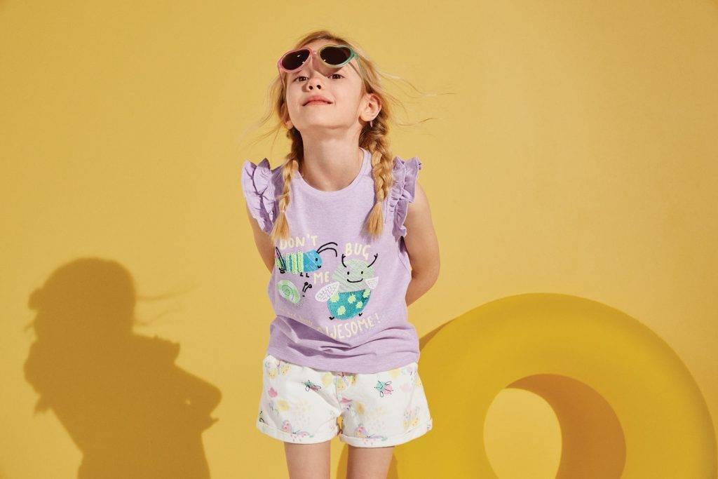 上身:棉質珠片 Don't Bug Me 標語 T 恤 新抵價9(原價9);下身:純棉圖案牛仔短褲 新抵價9(原價9)
