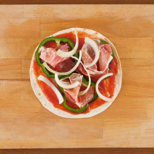 超濃厚歐洲風味!黑毛豬火腿焗墨西哥Pizza|懶人廚房