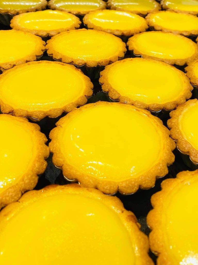 蛋撻/件、/4件蛋撻如太陽花的形狀,造型漂亮。
