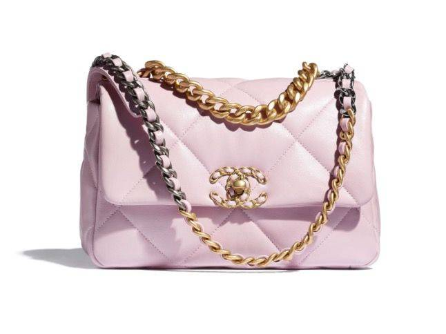 CHANEL 19 Flap Bag(圖片來源:CHANEL OFFICIAL)