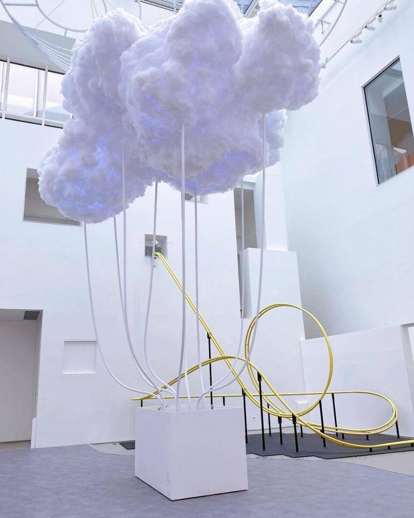 本地藝術家林欣傑創作的《雲圖境像(2013—2021)》(圖片授權:IG@bellaismeow)