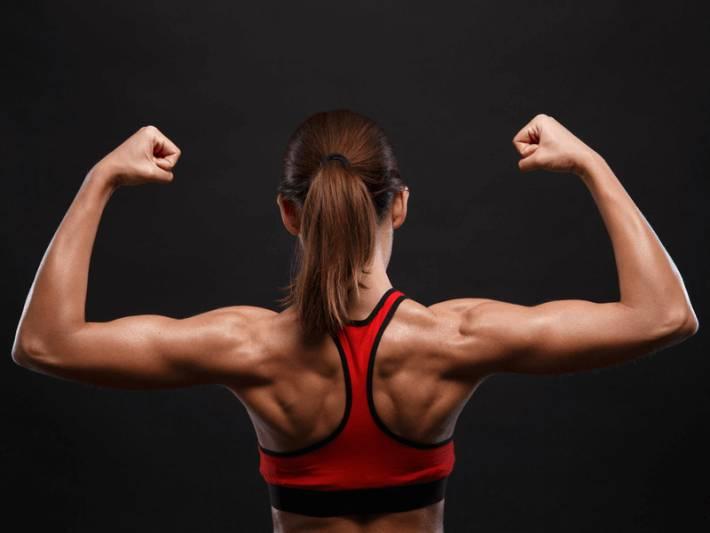優質蛋白質有助增加肌肉量,而綠葉菜則有助強化肌肉。