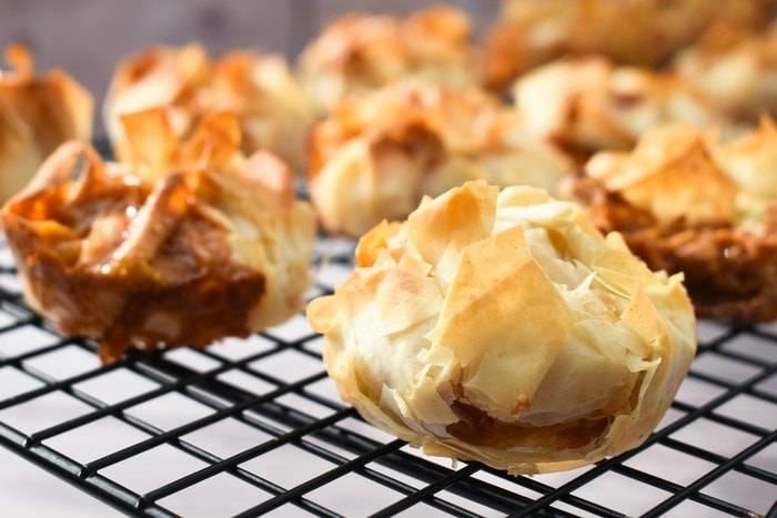 酥皮撻無疑是不健康的食物,但用春卷皮製成撻皮,足足可減少34倍的脂肪。
