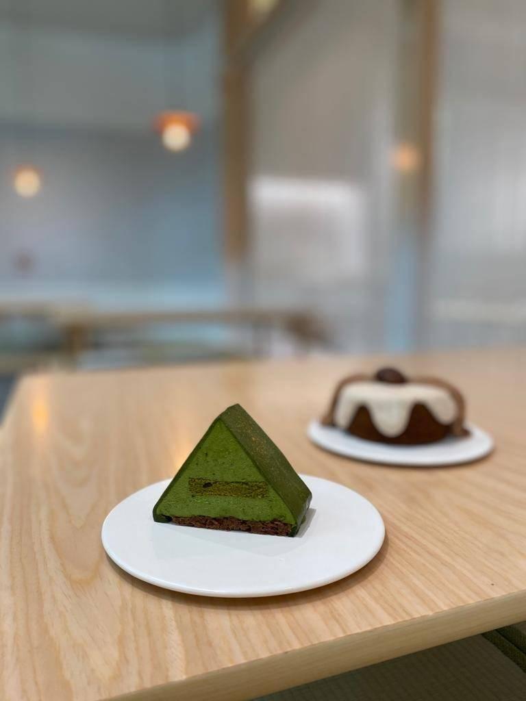抹茶小丘新店的屋頂設計沿用至甜品,食落抹菜味超濃,甜度剛剛好。(圖片來源:屋子)