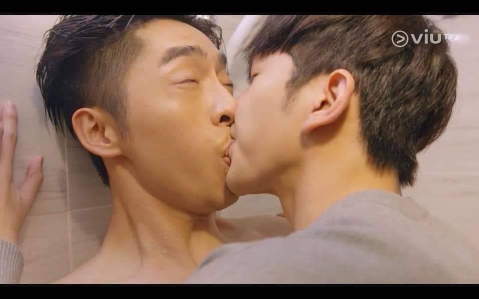 Edan和教主吻得比日版更肉緊!(圖片來源:港版《大叔的愛》)