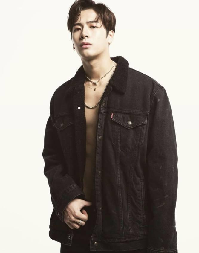 Jackson一身肌肉好sexy(圖片來源:IG@jacksonwang852g7)