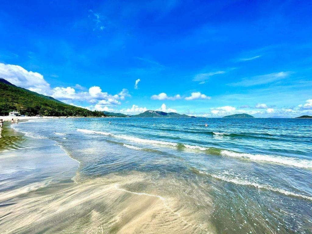 營地離塘福泳灘只有5分鐘路程,非常方便。(圖片來源:浪人舍)
