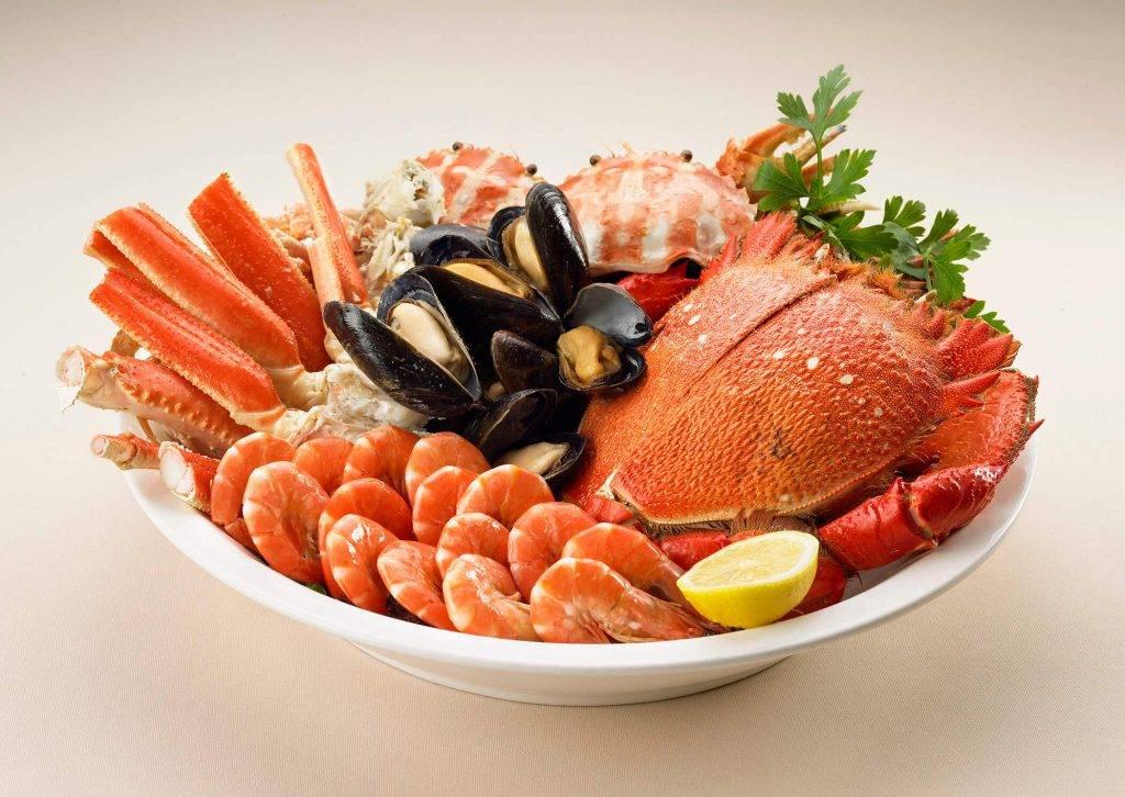 自助餐供應多款海鮮(圖片來源:雅苑座)