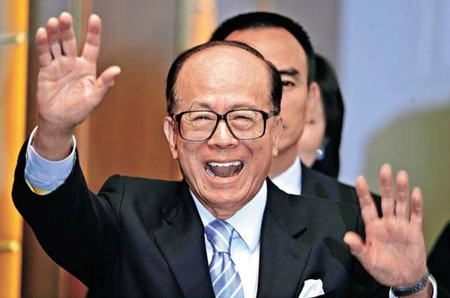 香港首富李嘉誠不知道有沒有留意到這隊港產男團?(圖片來源:視界奇觀)