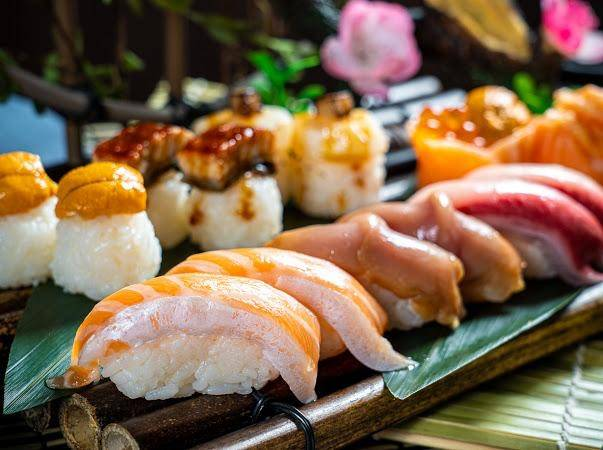 也有多款壽司、卷物及軍艦可點。(圖片來源:瀛豐放題料理專門店)