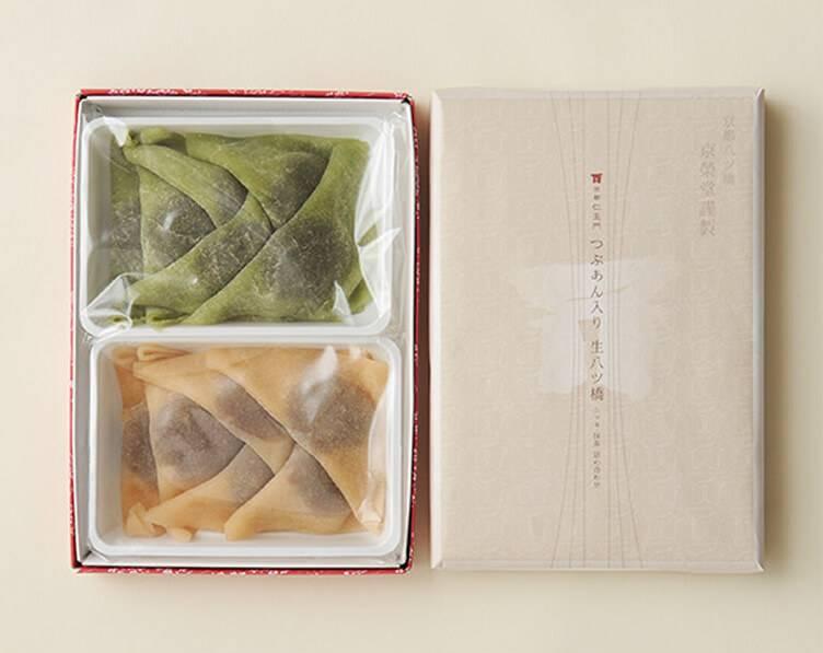 生八ッ橋三角形的煎餅是京都人氣人信(圖片來源:京都仁王門)