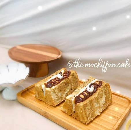 海鹽焦糖咖啡麻糬戚風蛋糕出自The Mochiffon Cake手筆,濃郁的咖啡香,搭配鹹甜有致的海鹽焦糖醬及煙韌麻糬,層次豐富分明。(圖片來源:The Mochiffon Cake)