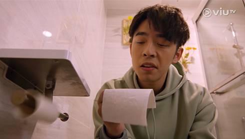 大便黏馬桶並非任何疾病的先兆!(圖片來源:《大叔的愛》劇照)