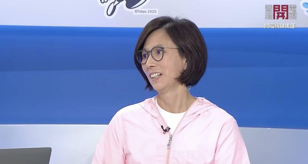 有電視台更請到姍姍上來與家朗對話,金牌遇上金牌!(圖片來源:香港開電視截圖)