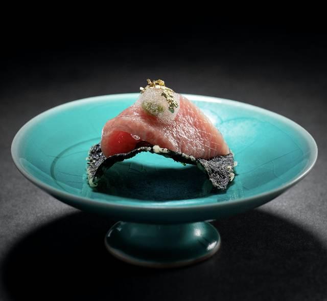 吞拿魚腩, 炸海苔, 芥末泡沫(圖片來源:和緣割烹料理)