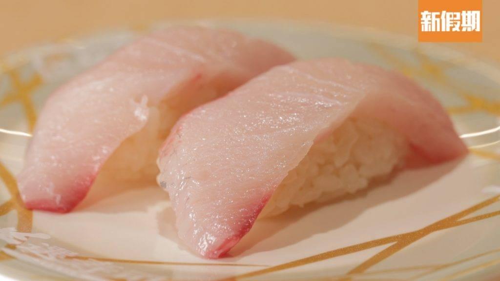 油甘魚(更正:油甘魚為紅色碟)油甘魚晶瑩剔透,入口油脂均勻。(圖片來源:新假期編輯部)