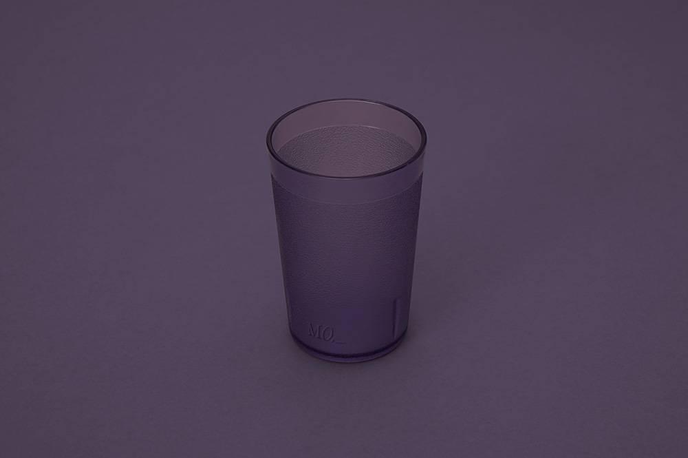 原子杯杯身輕巧並有「普羅旺斯紫」及「極簡灰」兩種顏色選擇。(圖片來源:官方圖片)