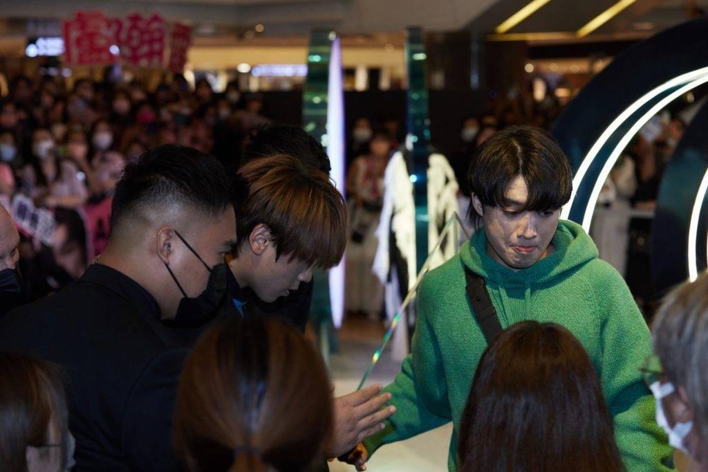 成員們都很擔心姜濤。(圖片來源:More編輯部)